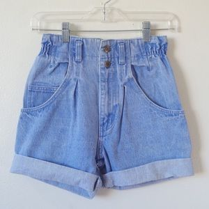 1980s LEVIS VINTAGE 900 SERIES HIGH WAISTED SHORTS